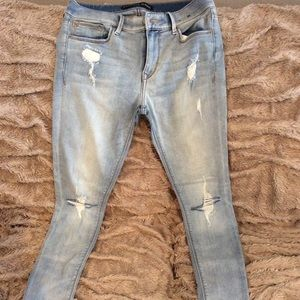 Express size 6 jeans. Like new. Mid rise legging.